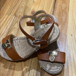 NWT Young Girls White Sandals Leather Healthtex Buckle New open shoes